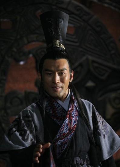 秦始皇帝嬴政之父)即位,《大秦帝国2》中 富大龙饰演 的赢驷 》》赢驷